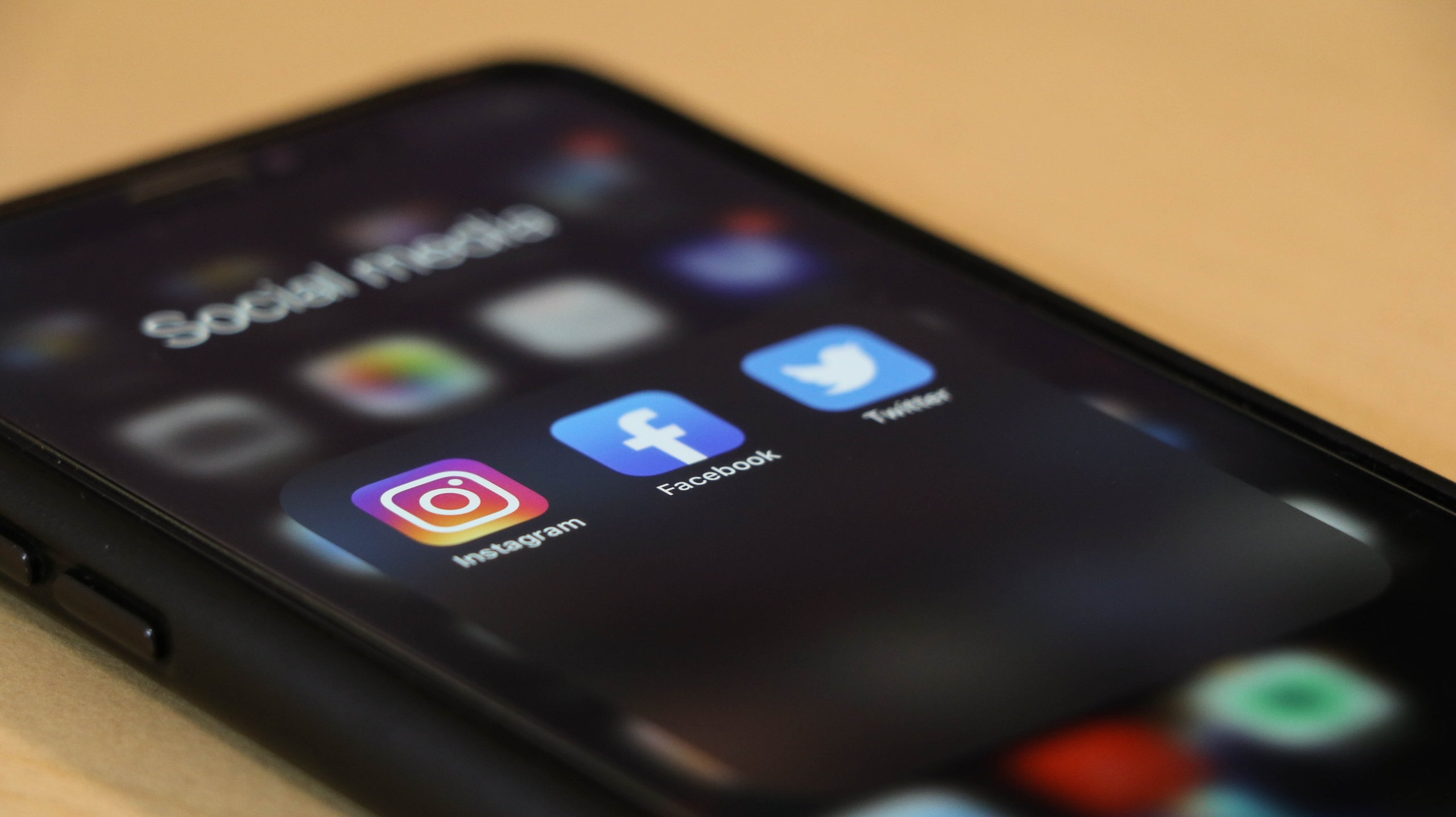 social media apps on mobile phone